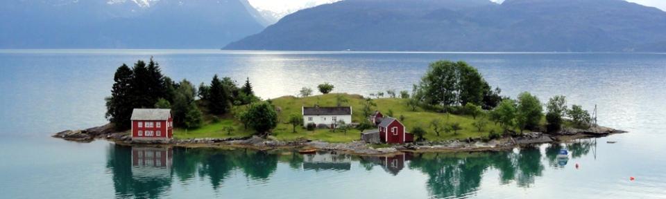 24.06.2010, Norwegen, Hardangerfjord, schöne Insel auf unserer Nordkap Reise