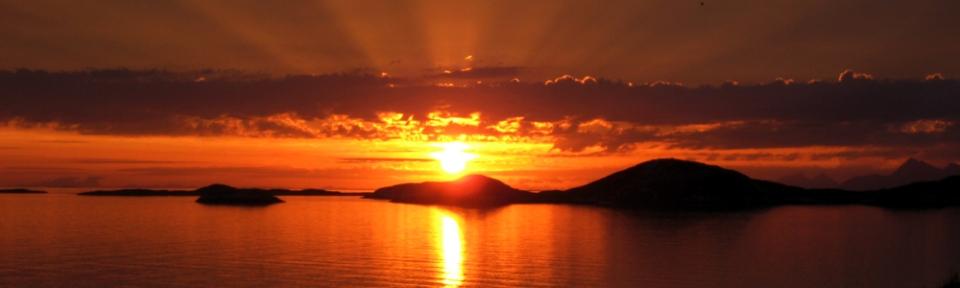 04.07.2010, Norwegen, Geitvägen, Mitsommernacht bei Bodö, aufgenommen um 02 Uhr